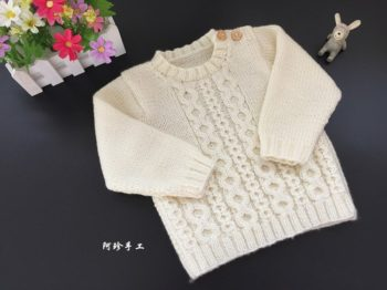 detskii-pulover-spitami-foto